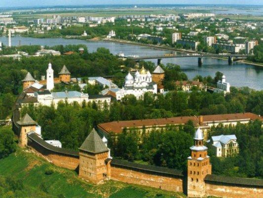 С мая нынешнего года в Великом Новгороде появится скидочная карта туриста.  Такие программы давно и успешно работают...